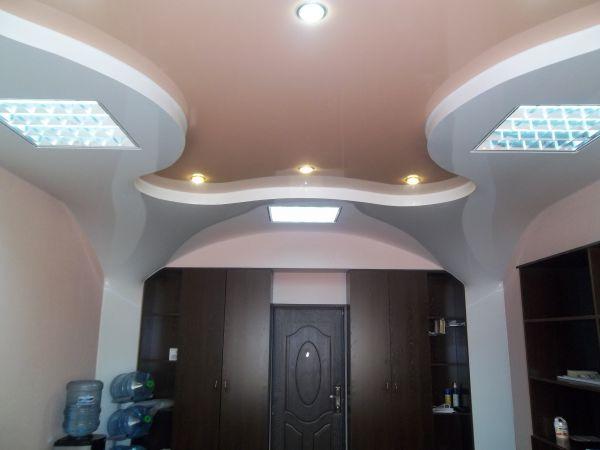 Потолок переходящий на стену фото